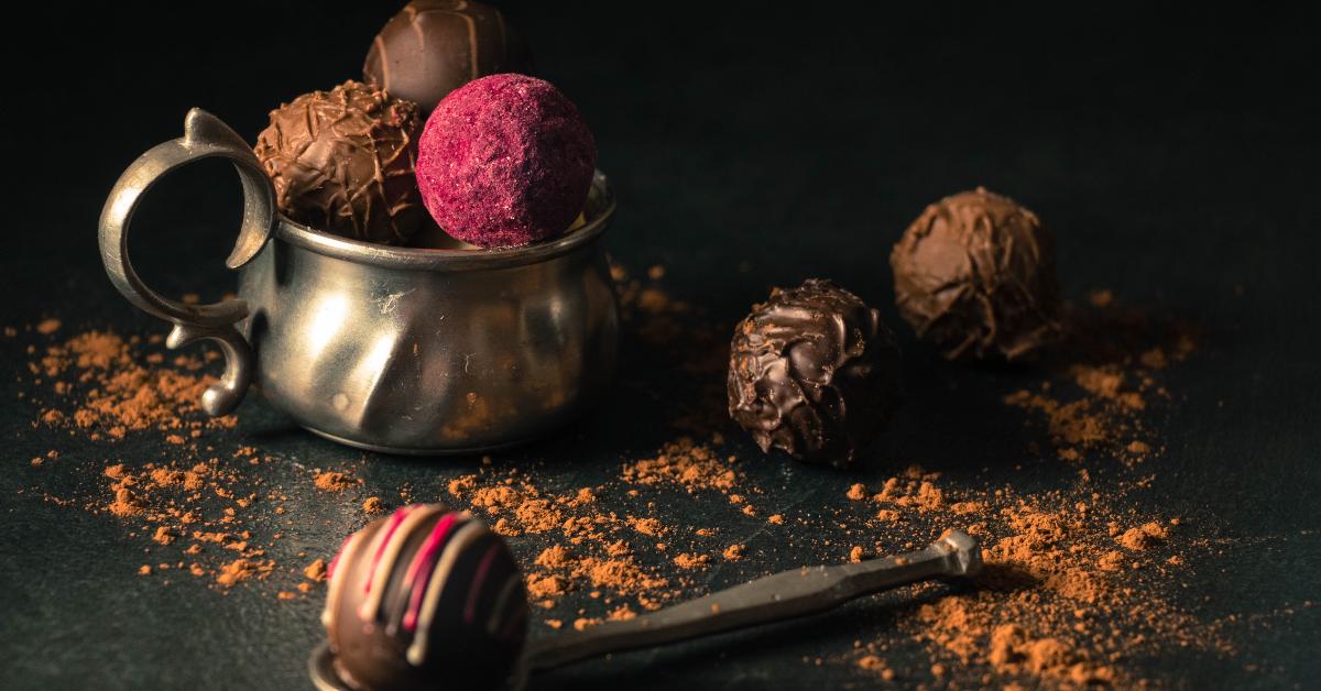 Desert format din bile de ciocolată